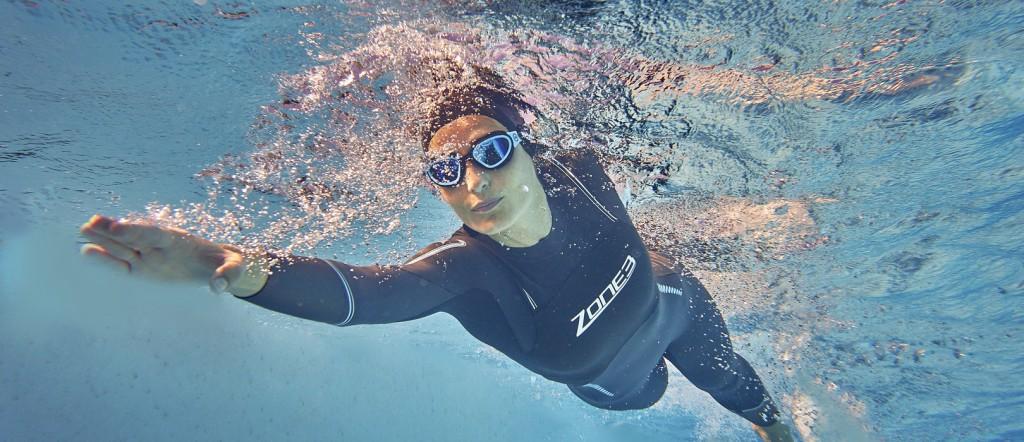 Women's Advance Wetsuit - Lifestyle (1)
